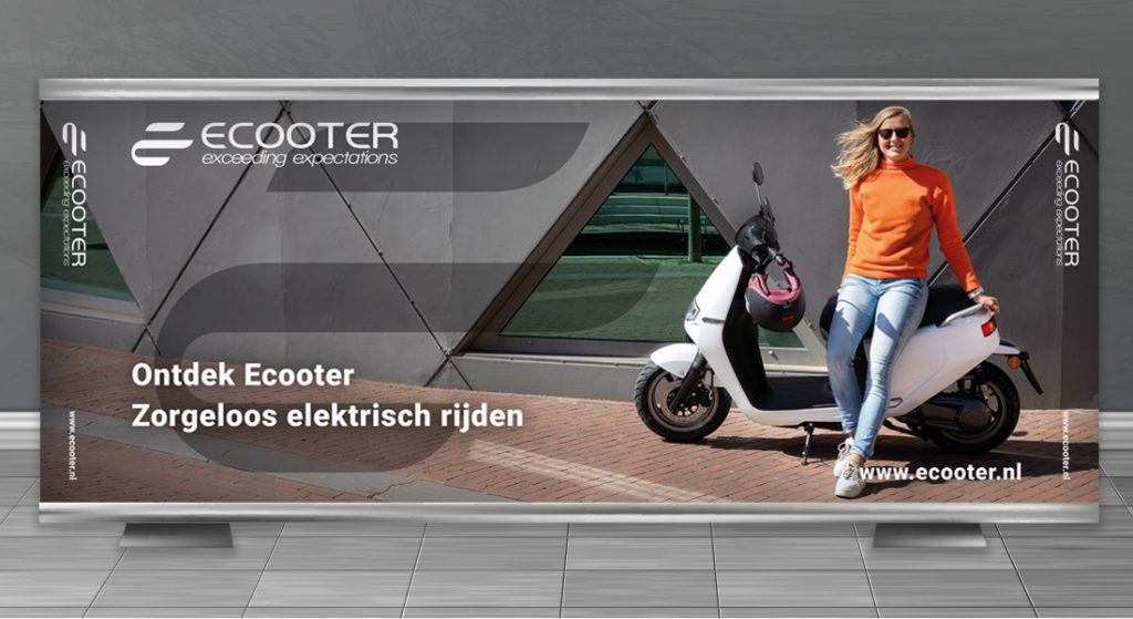agm beurs wand popup ecooter